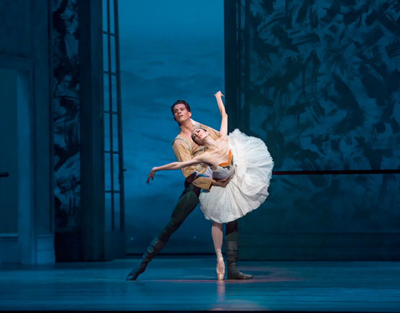 Joffrey Ballet in Christopher Wheeldon's <em>Swan Lake</em> - Dylan Gutierrez & Victoria Jaiani (3) - Photo by Cheryl Mann.jpg