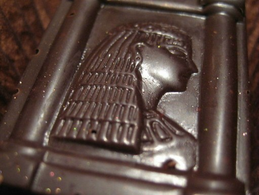 Bon%20bon%20Cleopatra%20chocolate.jpg