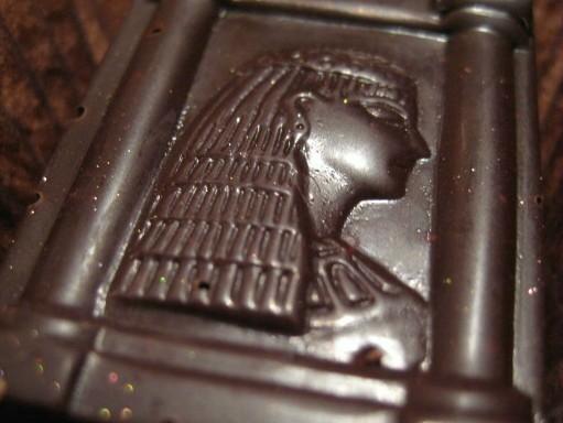 Bon%20bon%20Cleopatra%20chocolate.jpg