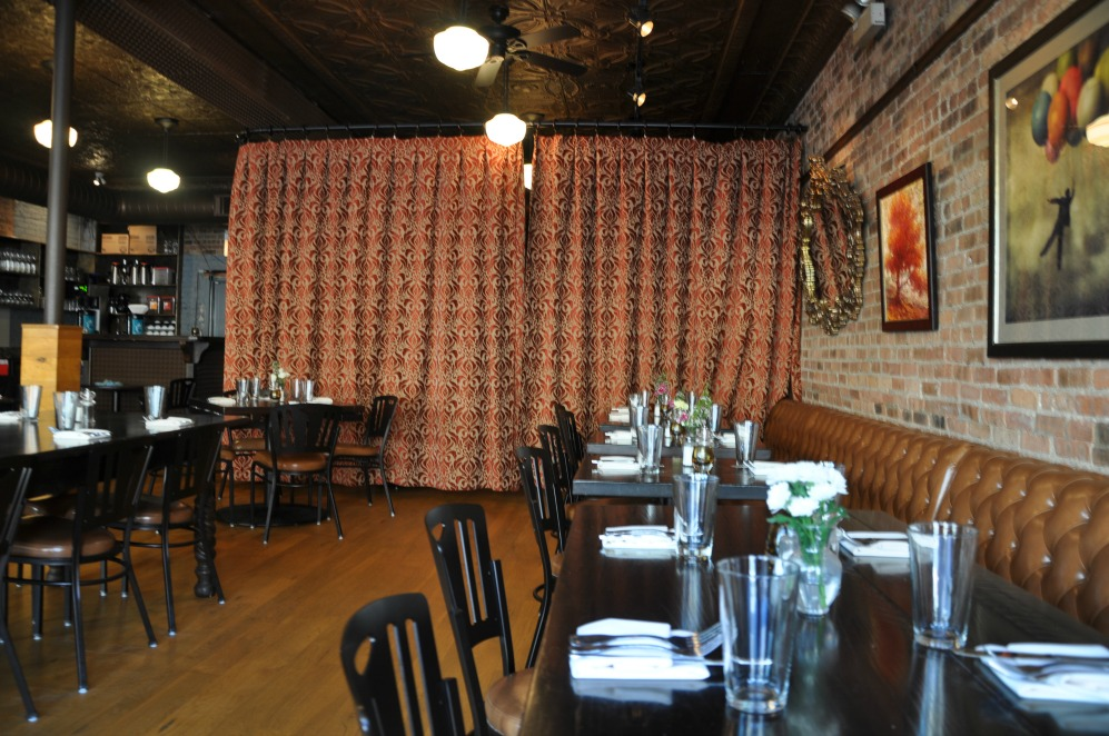 New american cuisine with old theme at southport irving for American cuisine chicago