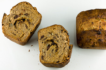 cinnamon-raisin-walnut-bread.jpg