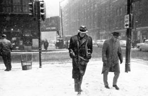 PHOTO - CHICAGO - SNOW STORM - MEN WALKING - LASALLE RESTAURANT BACKGROUND - 1958.jpg