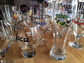 hopleaf glasses