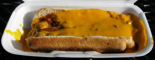 susie's drive-thru chili cheese dog