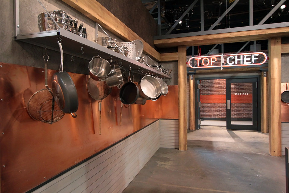 top-chef-season-13-kitchen-tour-08.jpg