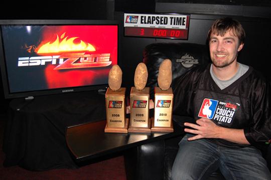 2010 ESPN Zone Chicago Ultimate Couch Potato WINNER - Jeff Miller 01.JPG