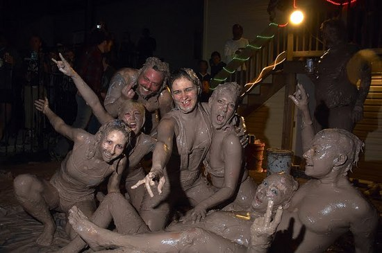 mud queens group.jpg