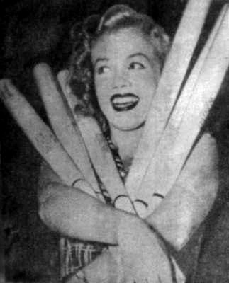 marilyn monroe white sox bats