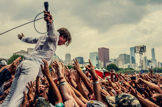Cage the Elephant Lollapalooza 2014 by Joshua Mellin.jpg