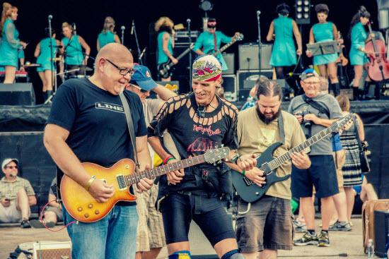 Guitarkestra!_9701925847_l-web.jpg
